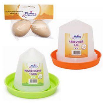 Abreuvoir en plastique 1.5 L et Nourrisseur plastique 1.5 kg et 2 oeufs factices PLUME & COMPAGNIE Accessoires Poulailler Basse-cour